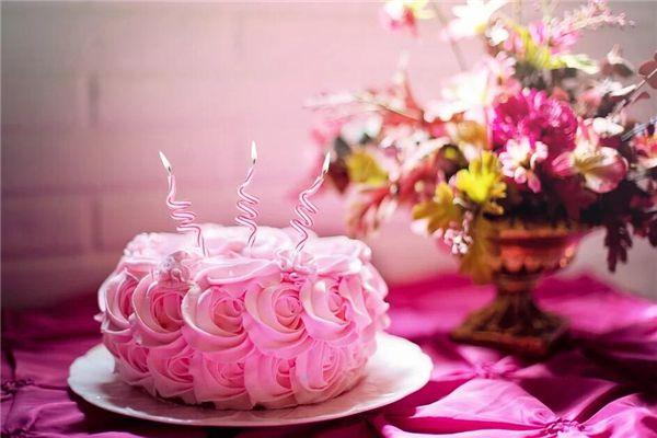 梦见做蛋糕