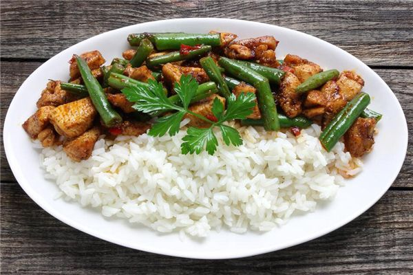 梦见吃白米饭