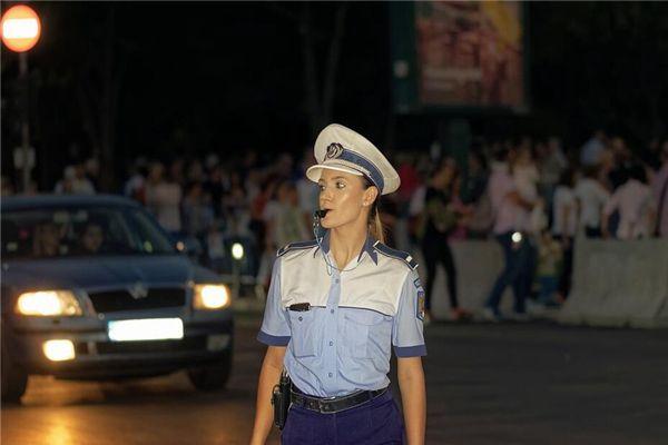 梦见警察罚款