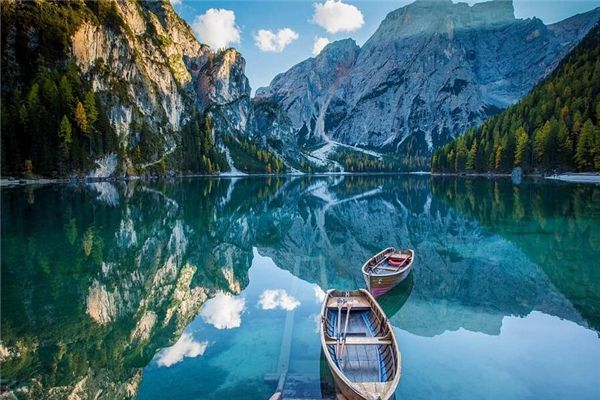 梦见船和水