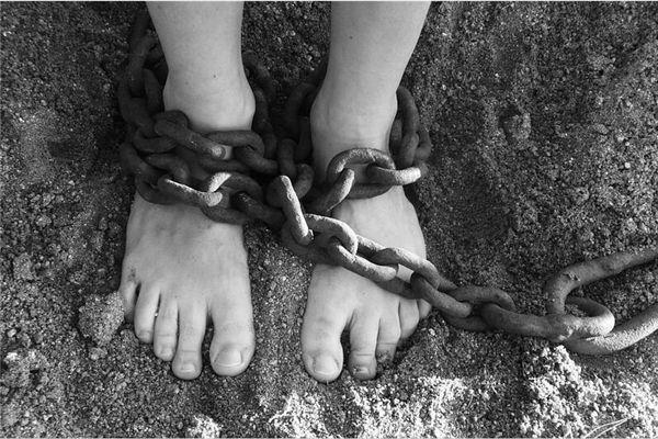 梦见自己成为俘虏