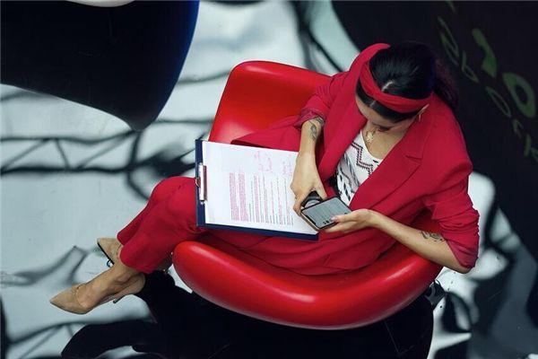 梦见穿红色的衣服