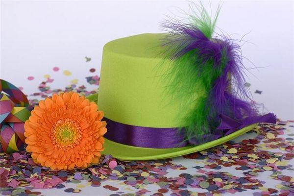 梦见带绿帽子