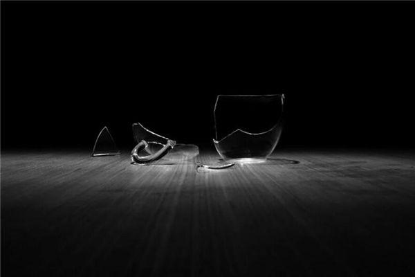 梦见杯子碎了