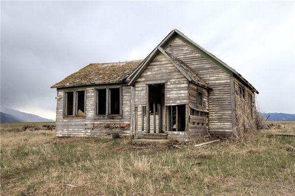 梦见木房子