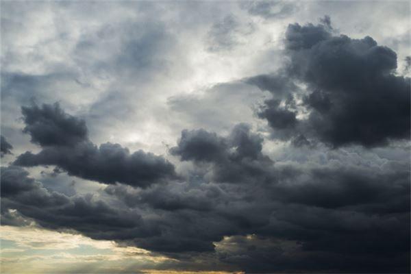 梦见暴风雨很猛烈