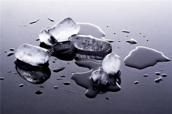 梦见冰块融化