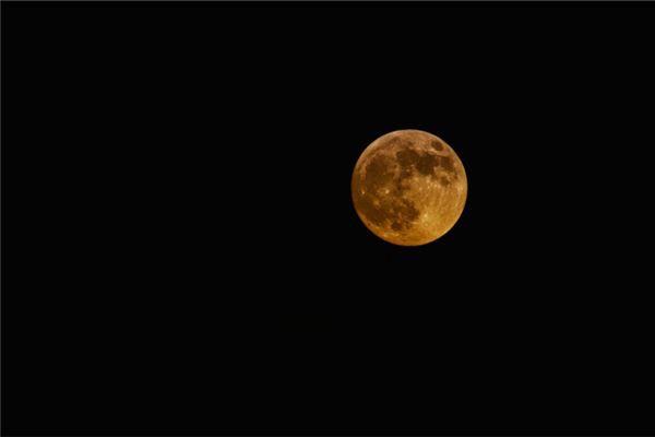 梦见月亮爆炸