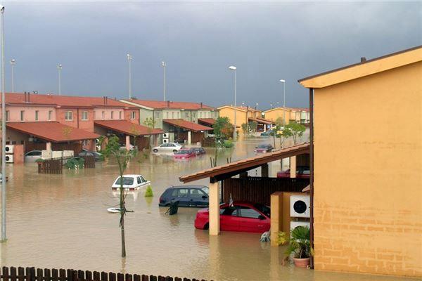 梦见洪水泛滥