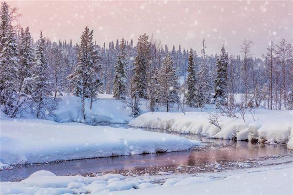 梦见夏天下雪
