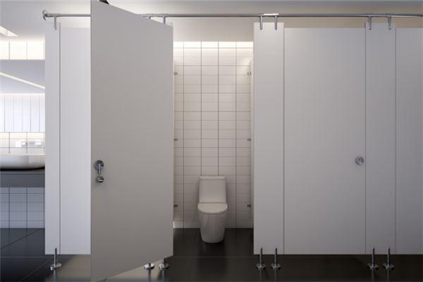 梦见很干净的厕所
