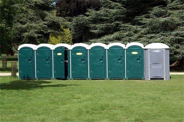 梦见上公共厕所