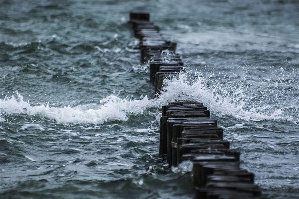 梦见发大水是什么意思