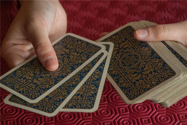 梦见打牌是什么意思