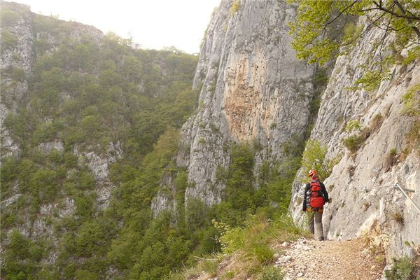 梦见爬坡是什么意思