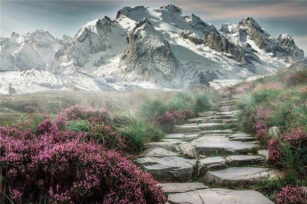 梦见爬山是什么意思