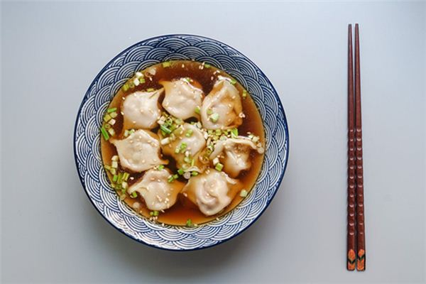 梦见吃饺子