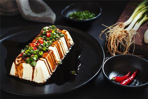 梦见吃豆腐是什么意思