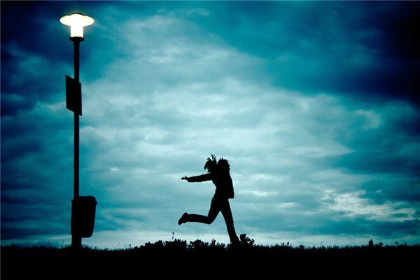 梦见自己跑步