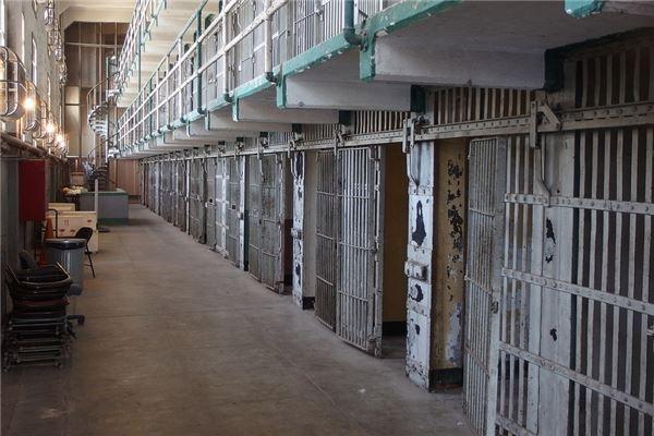 梦到坐牢是什么意思