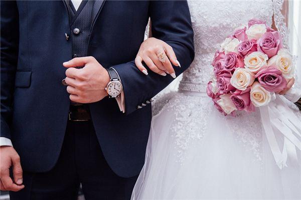 梦见男友和别人结婚是什么意思