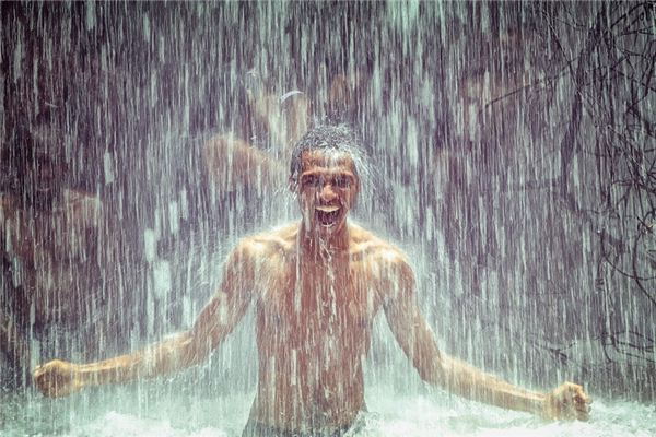 梦见大雨是什么意思