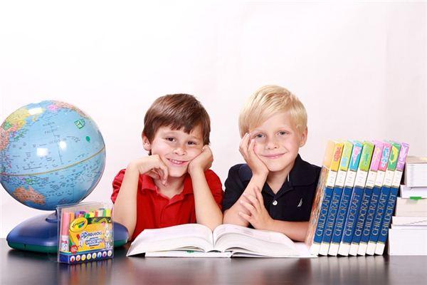 梦见在学校读书是什么意思