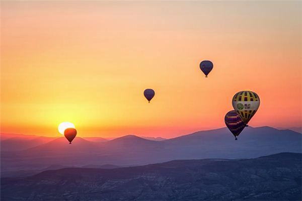 梦见自己飞上天是什么意思