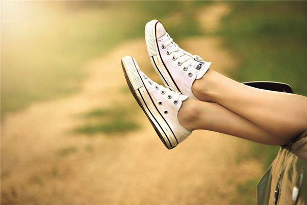 梦见脚是什么意思