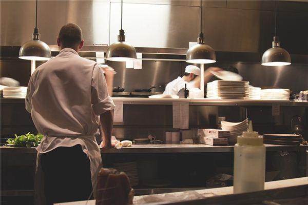 梦见厨师是什么意思