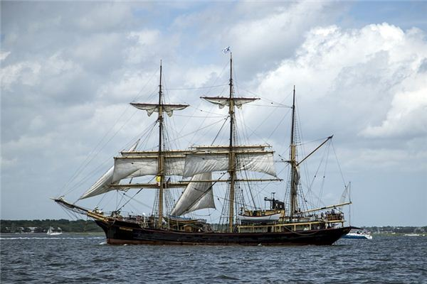梦见船桅杆是什么意思