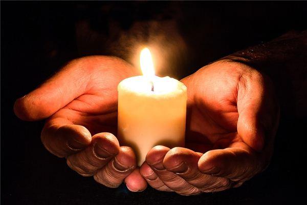 梦见蜡烛是什么意思