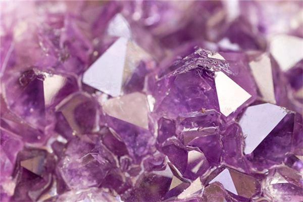 梦见水晶是什么意思