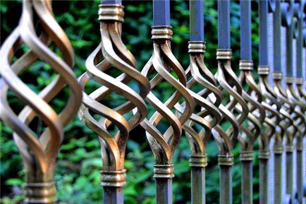 梦见栅栏是什么意思