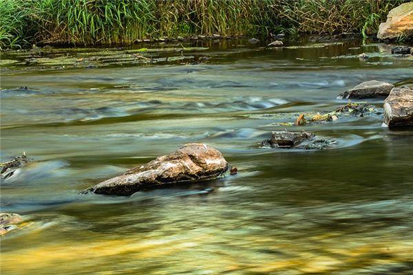 夢見過河是什么意思