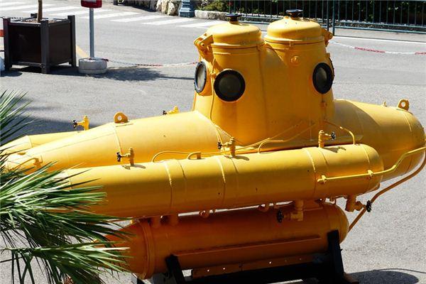 梦见潜水艇是什么意思