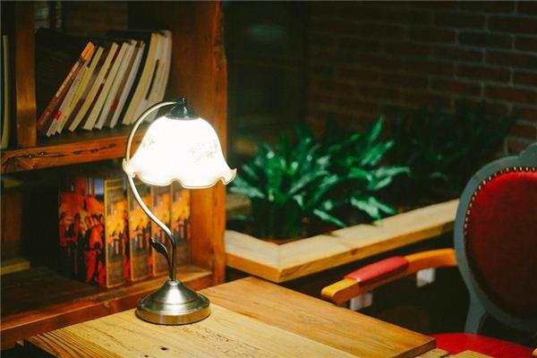 梦见书桌是什么意思