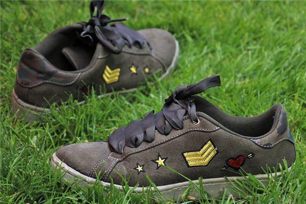梦见鞋破损是什么意思