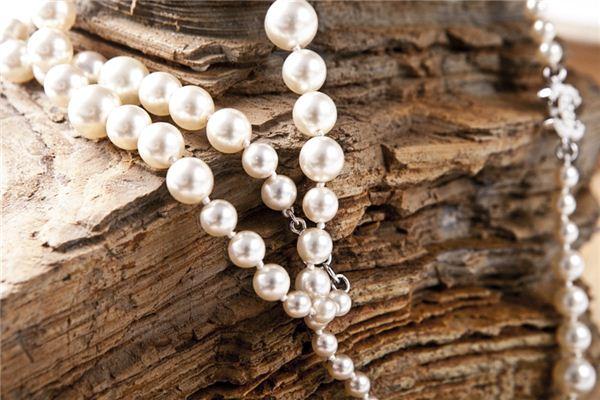 梦见珠宝是什么意思