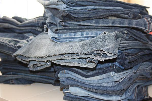 梦见旧衣服是什么意思