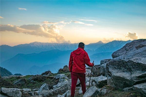 梦见爬山顶是什么意思