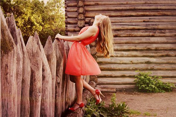梦见红衣服是什么意思