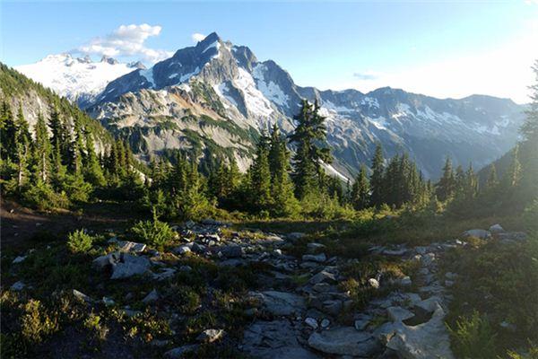梦见高山是什么意思