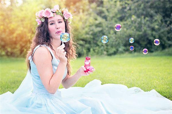 梦见吹泡泡是什么意思