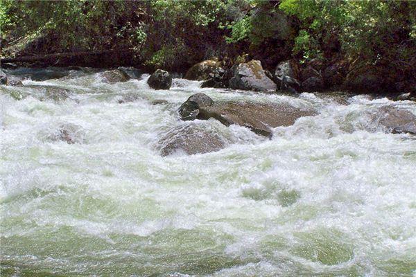 梦见河水是什么预兆