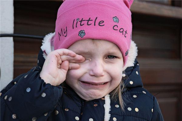 梦见小女孩哭是什么预兆