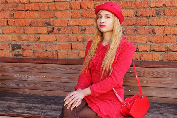 梦见红色衣服是什么意思