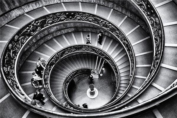 梦见走楼梯