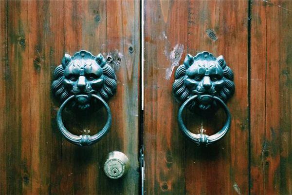 梦见有人敲门
