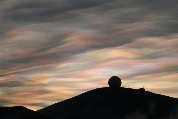 梦见五彩的云是什么意思